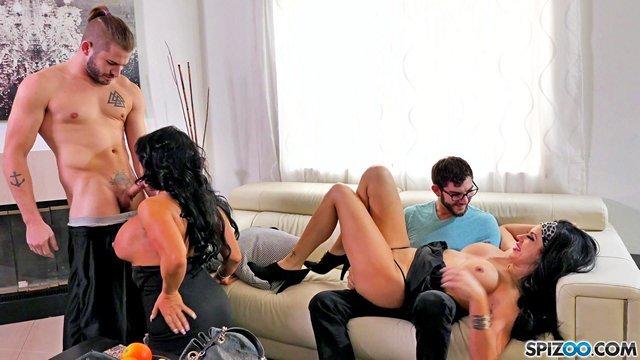 порно Завораживающие женщины за 30 приехали в гости к парням и обслужили их фаллосы по полной программе видео