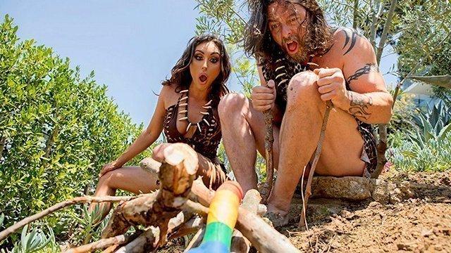 Забавное порно Талантливая пещерная тетя жестко трахается с современным мужчиной и получает крутое наслаждение видео