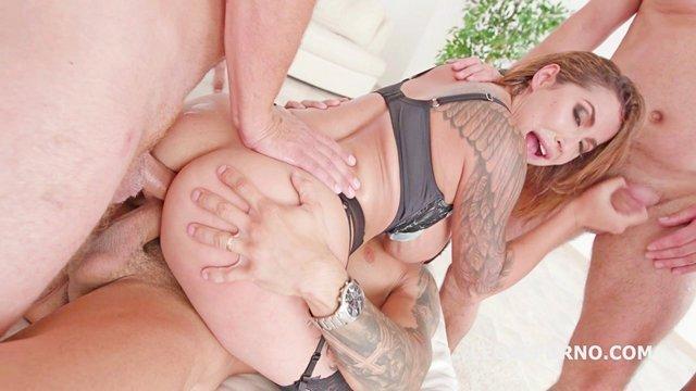 Зрелые порно Игривая широкозадая баба не боится большого количества любовников и грубо трахается с ними в сраку видео