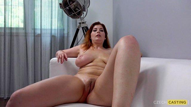 Кастинг порно Притягательная грудастая дамочка соблазнила порно агента и хардкорно поебалась с ним до экстаза видео
