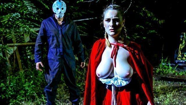 Униформа порно Яростная Красная Шапочка с крупными сиськами дико делает отсос страшному незнакомцу в лесу и ебется видео