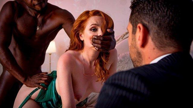 С Неграми порно Утонченная жена становится шлюхой на глазах мужа и сильно трахается с чернокожим любовником видео